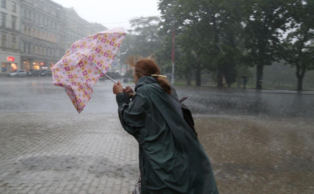 В Крыму — штормовое предупреждение: ливни, грозы, град