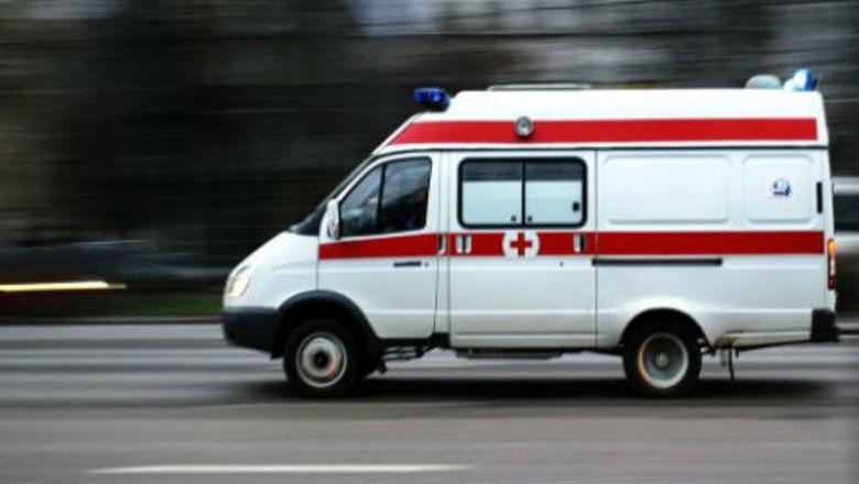 В Ростове при взрыве автомобиля пострадал один человек.