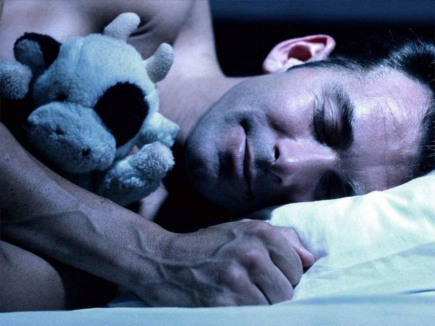 Нехватка сна провоцирует рак и поломку ДНК, доказали ученые