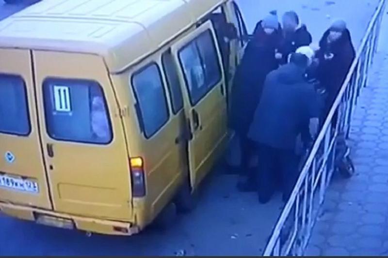 В Тимашевске женщину с инсультом высадили из маршрутки