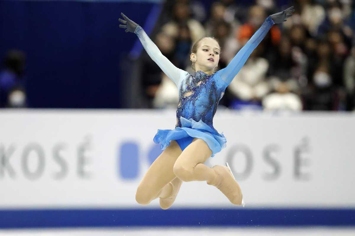Александра Трусова с двумя падениями выиграла Гран-при в Москве