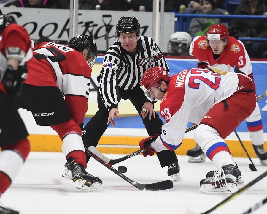 Русские хоккеисты уступили сборной OHL в 4-м матче молодежной Суперсерии