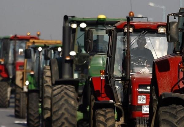 В РФ участников «тракторного пробега», недовольных коррупцией, оштрафовали иарестовали