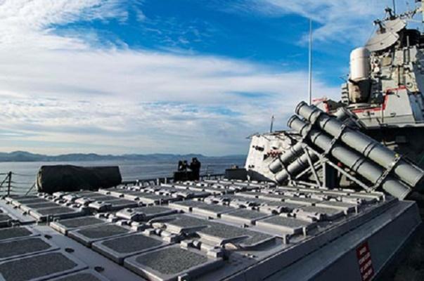 США готовы шарахнуть по КНДР, морское и воздушное пространство над полуостровом опустело