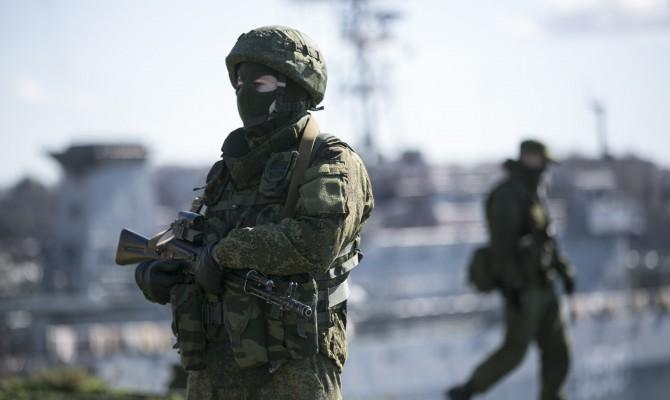 Луганск заполонили военные без опознавательных знаков