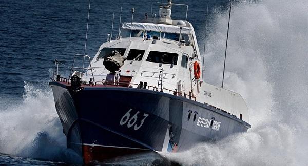 Встреча катеров России и Украины в Азовском море попала на видео