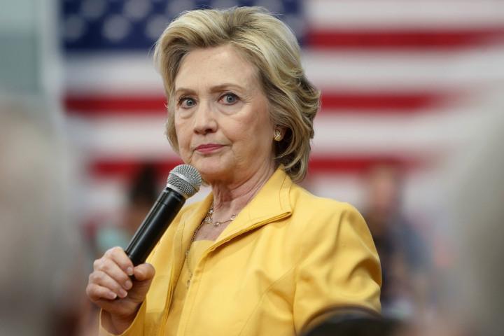 Если что — я не в депрессии, и не планирую себя убивать: подвергнутый обструкции после статей о здоровье Клинтон журналист выпустил видеообращение