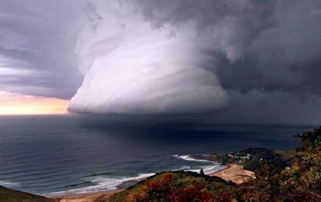 """В США начали готовиться к приходу урагана """"Мэтью"""""""