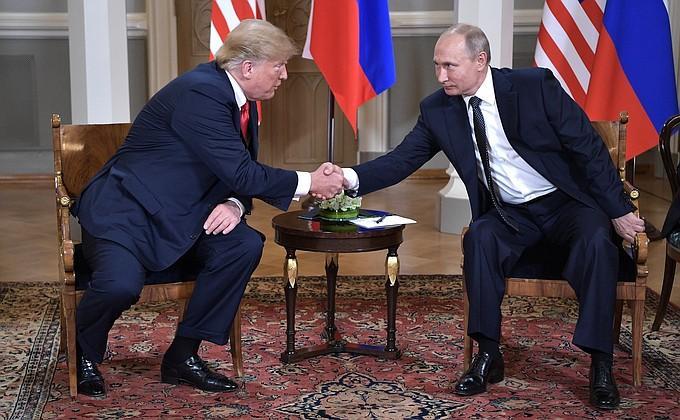 Путин «прикарманил» униженного Трампа: США бьются в истерике из-за встречи в Хельсинки