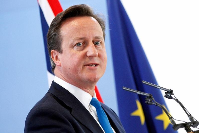 Кэмерон не сдержал эмоций после заявления об отставке, снова забыв о микрофоне