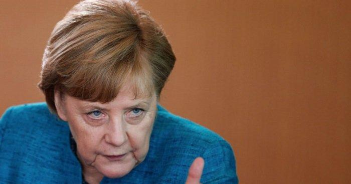 Меркель выступила против «претензий России» на Азовское море