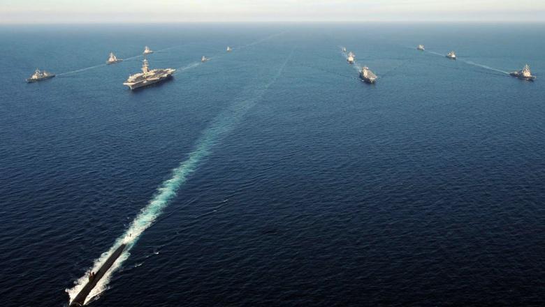 Атомная субмарина ВМС США допустила столкновение с кораблем снабжения