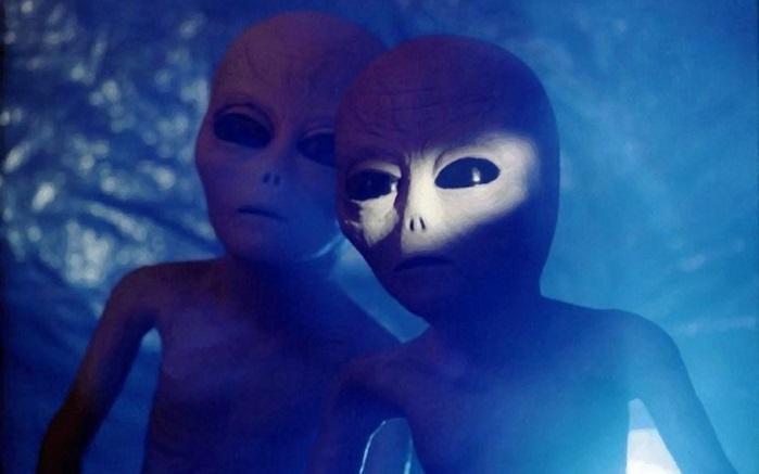 Экс-спецагент США рассказал о живых инопланетянах