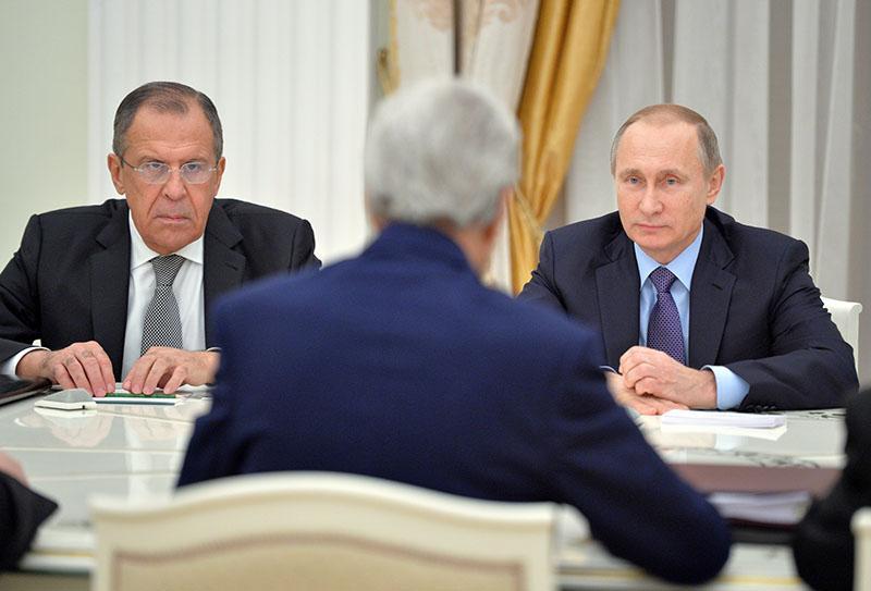 Неприступность Москвы привела к внезапному эффекту: США резко сменили планы в отношении РФ