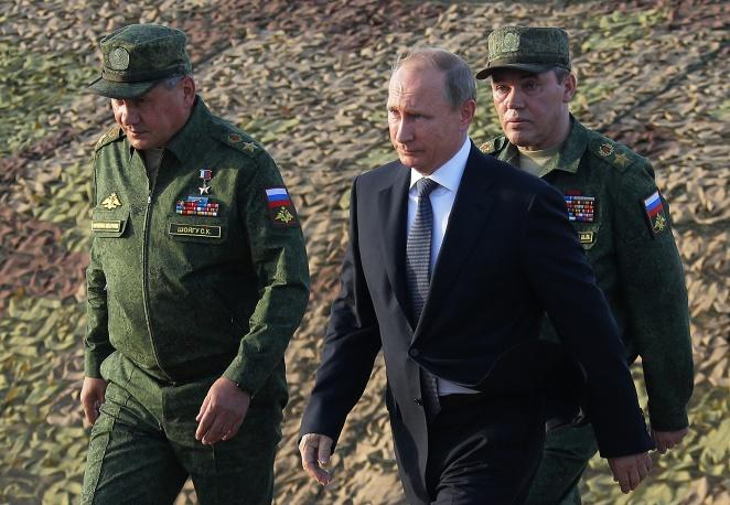Россия готова к бою: Путин объявил о внезапной проверке ВС РФ
