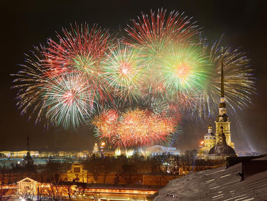 Салют в Новый год 2018 в Санкт-Петербурге: время и место проведения в новогоднюю ночь 2018