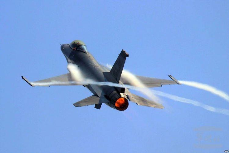 Минобороны Польши: Истребители республики перехватили российский самолет