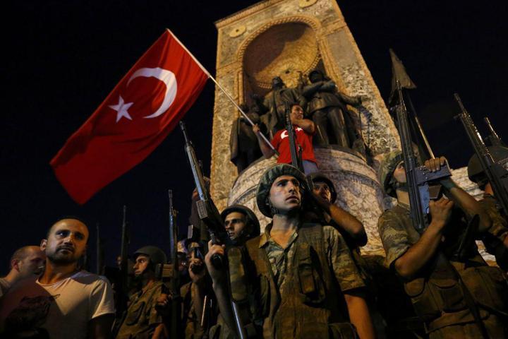 """Имя """"мозга"""" и организатора госпереворота в Турции раскрыли СМИ, Эрдоган обвинил США"""