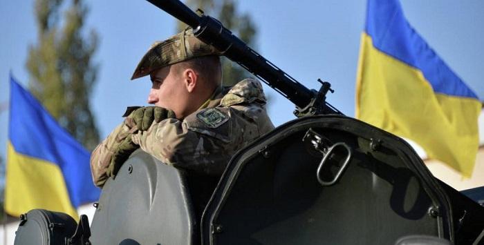 Украинскому подполковнику сломали челюсть из-за меню на русском языке