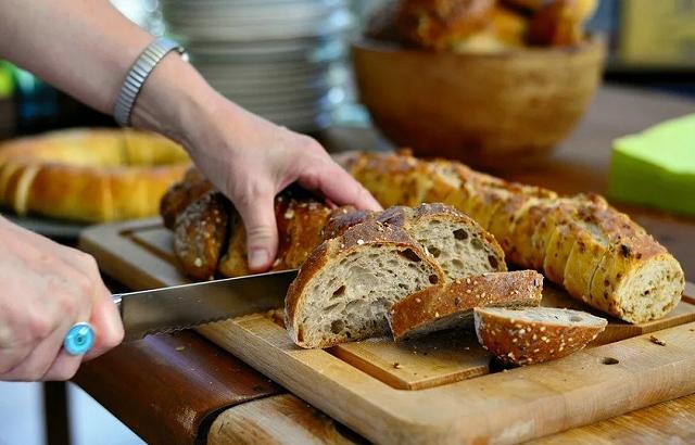 Где лучше хранить хлеб - хитрости и лайфхаки