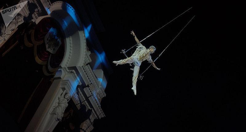 В цирке Запашного разбился акробат: видео падения, состояние атлета, причины