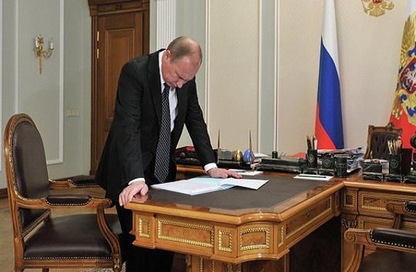 Важный закон для автовладельцев подписал Владимира Путин