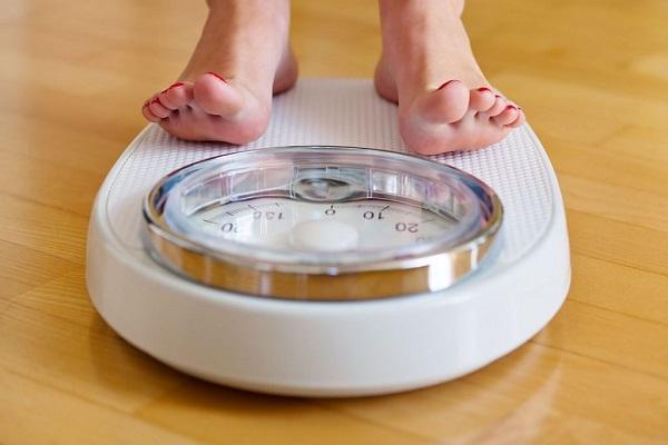 Женщина похудела на 13 кг, отказавшись от этих четырех продуктов.