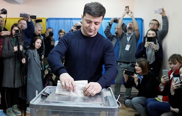 Выборы на Украине: назван лидер президентской гонки, согласно данным экзит-полов