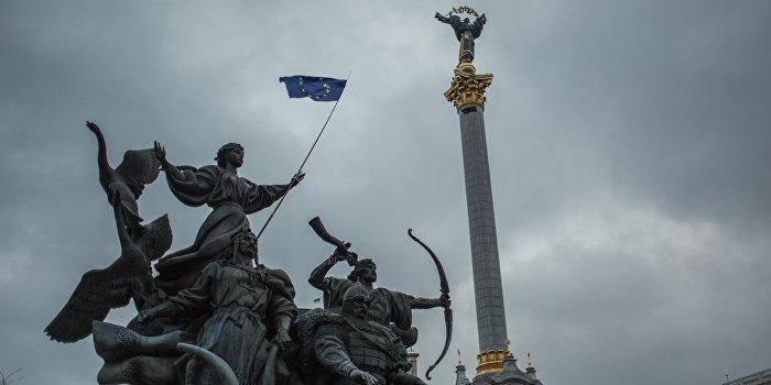 """В Киеве заявили, что Европа начинает """"слив"""" Украины на условиях Кремля"""