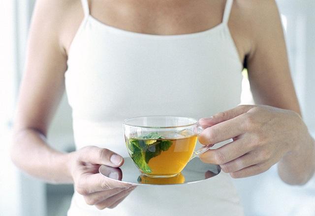 """Ученые подсчитали, сколько килограммов веса способен """"сжечь"""" зеленый чай"""