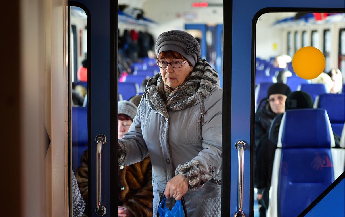 Пенсионерам и ряду граждан ПФР напомнил о необходимости выбора между услугами и деньгами