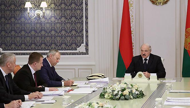 Лукашенко заявил, что «…в России уже обнаглели до такой степени, что начинают нам выкручивать руки!»