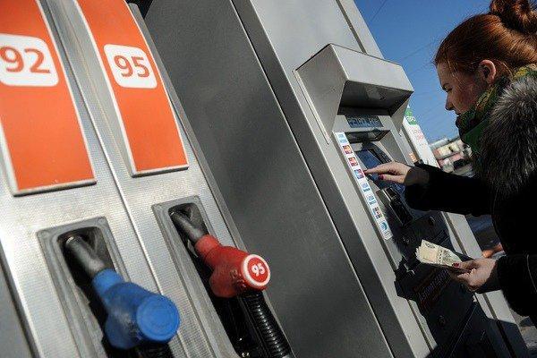 Росстат: бензин в октябре снова подорожал