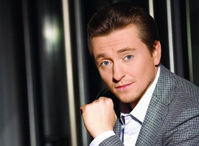 Сергей Безруков опубликовал первое совместное селфи с женой