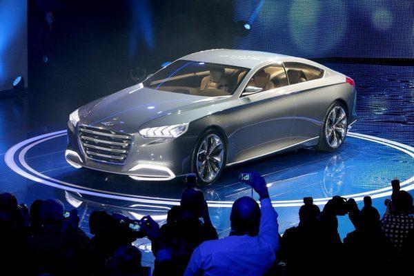 В КНР проводится масштабная автовыставка Чэнду