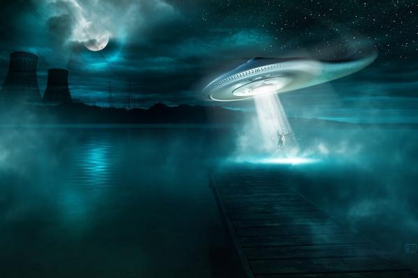 Над английским городом Честерфилд наблюдали два НЛО