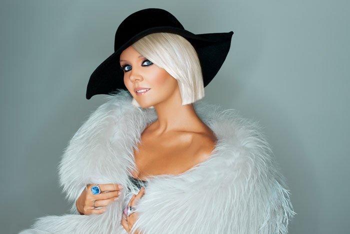 Певица Валерия продемонстрировала идеальную фигуру в бикини