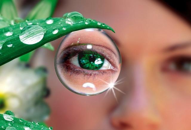 Эксперты назвали лучший напиток для сохранения острого зрения