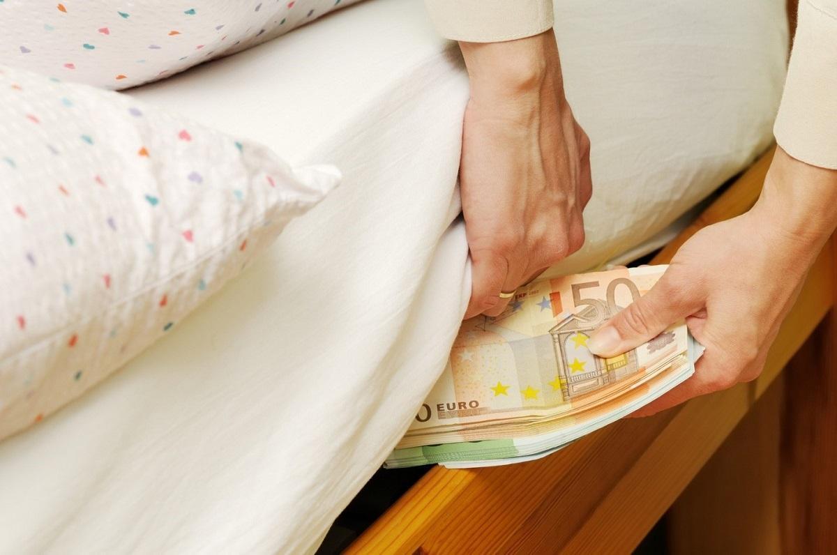 Где в доме нельзя хранить деньги: пять мест, которые притягивают бедность