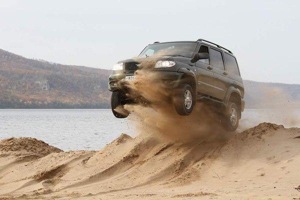 УАЗ Патриотв новом кузове покоряет российское бездорожье