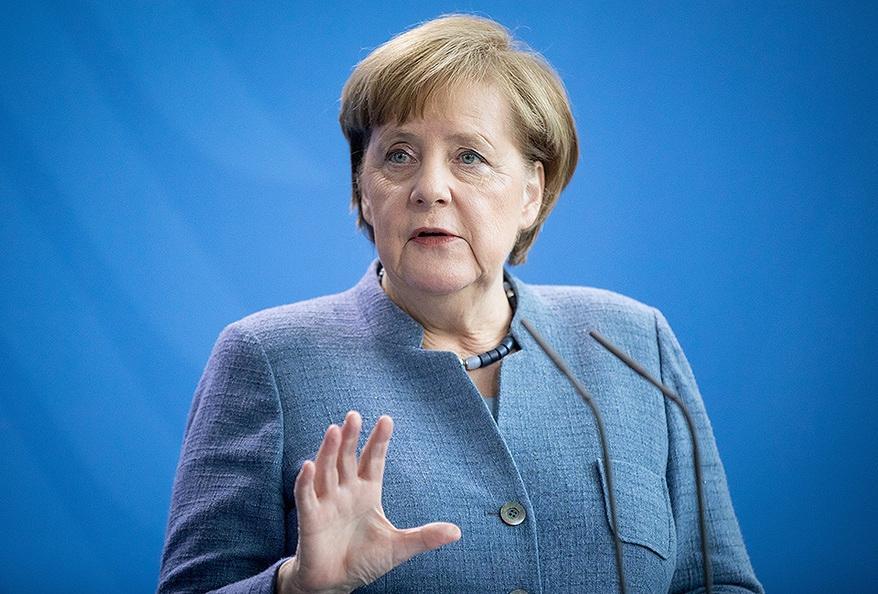Меркель за антироссийские санкции