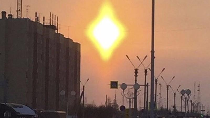 Ромбовидное солнце напугало жителей Нового Уренгоя