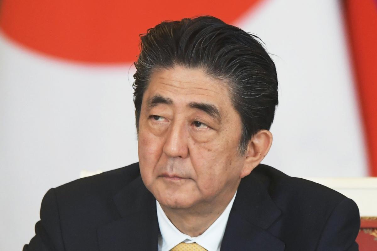 Абэ объявил о продолжении диалога с Москвой, направленного на заключение мирного договора