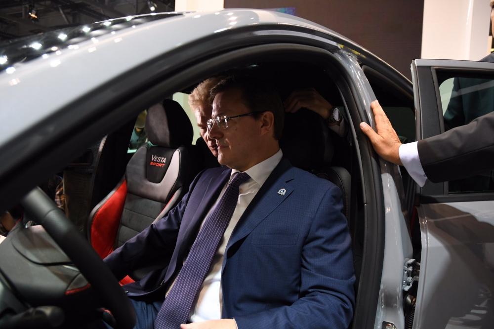 Губернатор Самарской области стал первым обладателем седана Lada Vesta Sport – СМИ