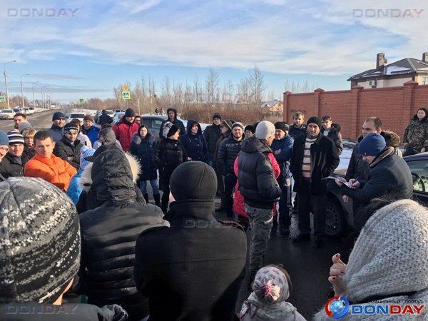 В донской столице жители микрорайона «Платовский» выступают против закрытия дамбы Ростовского моря
