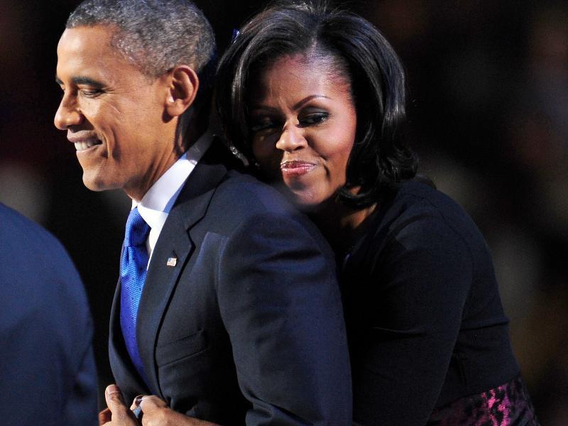 Трогательный момент между Обамой и его женой