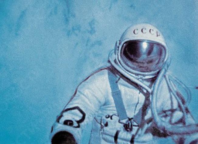 Уфологи: Нил Армстронг небыл первым человеком наЛуне
