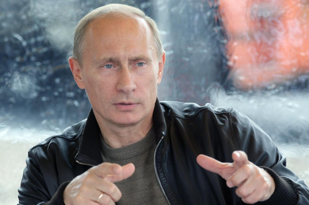 Путин рассказал, какая книга всегда лежит на его столе