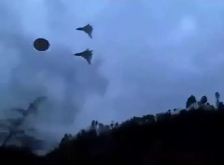 В Приморском крае летающая тарелка высадила пришельца, скрывшегося в аномальном портале