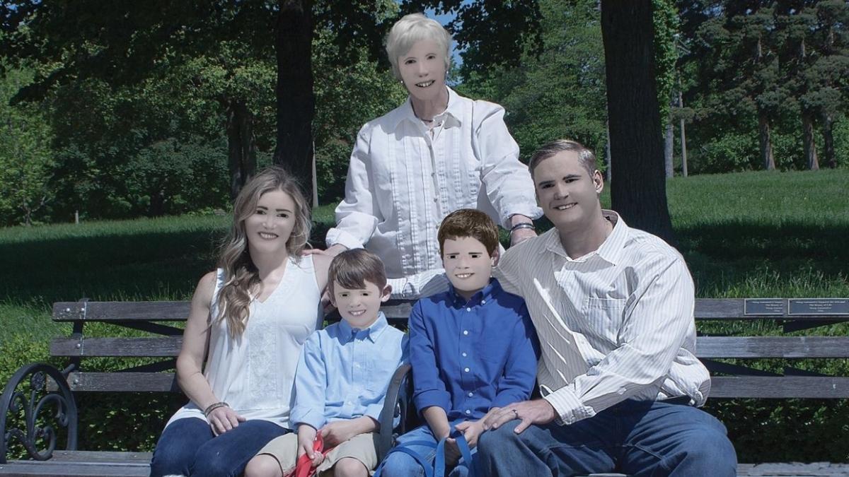 Шок по-американски: фотосессия семьи из США испугала пользователей соцсети